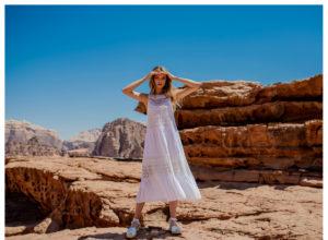 Plecione sukienki – trend lata